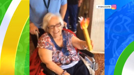 Ryan Lochte's grandmother carries (Olympic) torch for him