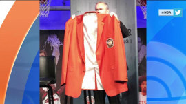 Shaquille O'Neal's Hall of Fame jacket really is THIS big