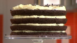 How to make tiramisu and pineapple upside-down cake from box mix