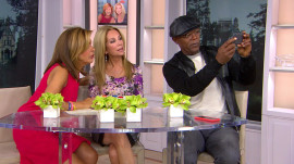Smile! Samuel L. Jackson poses with KLG, Hoda in bizarre selfie