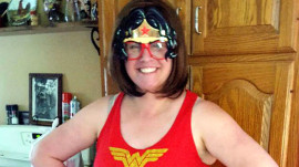 Meet the cancer-fighting mom who channels Wonder Woman during treatment
