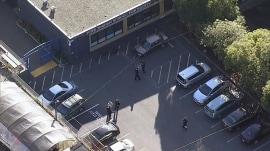 4 students shot outside San Francisco high school; gunmen on the loose