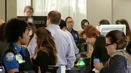 Will long TSA lines hamper Thanksgiving travel by air?