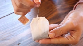 Here's how a tea bag will fix a broken nail