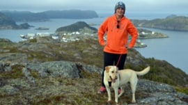 Woman loses 200 pounds with Labrador retriever's help