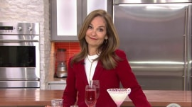 Pomegranate sparkler, peppermint martini: Low-calorie holiday cocktails