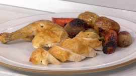 Roasted chicken with potatoes, vegetables: Try this deliciously seasoned meal
