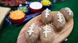 Bacon chips and guac, balloon goal post: Winning Super Bowl party ideas