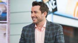 Hilarious actor Jason Jones talks marriage, 'The Daily Show' and honest parenting