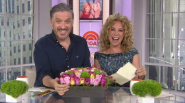See Kathie Lee's surprise gift from Tom Selleck