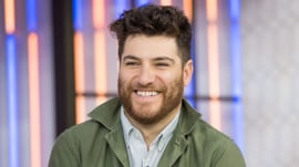 'Making History' star Adam Pally: 'I go back in time and pick up chicks'