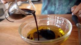 How to make the easiest balsamic vinaigrette ever