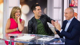 'How did that just happen?!' Magician gets into Hoda and Matt's minds during card tricks