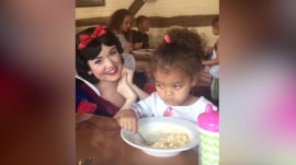 Little girl is unimpressed by Snow White, just wants to eat her mac and cheese