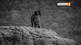 Photographer captures romantic wedding proposal (of the wrong couple!)