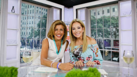 Kathie Lee gets wasp sting remedies from TODAY viewers (like mud!)