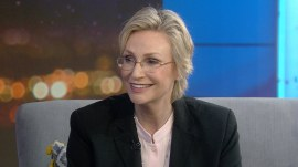 Jane Lynch on why she loves hosting 'Hollywood Game Night'