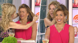 Watch Kathie Lee try to do SOMETHING with Hoda Kotb's hair