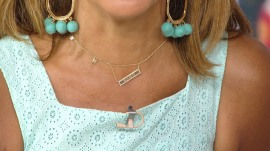 Hoda Kotb's necklaces keep getting tangled: What should she do?