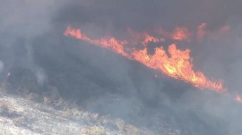 Detwiler fire threatens 1,500 structures in California
