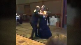 Bride changes into Chicago Bears gown for father-daughter dance