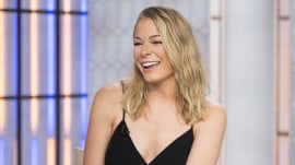 "LeAnn Rimes talks about 'Logan Lucky"" and shows her exercise moves"