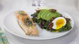 Pan-roasted salmon, kale Caesar salad: They're delicious (and healthy)