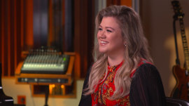Kelly Clarkson: 'I've never felt sexier' since getting married, having kids