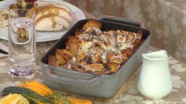 Thanksgiving recipes: Slow cooker mashed potatoes, turkey gravy and pantry bread pudding