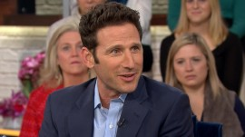 Mark Feuerstein talks his new TV comedy series '9JKL'