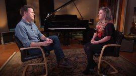 Kelly Clarkson: Almost all of my albums have been made after 'a negotiation'