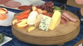 How to create beautiful snack boards for your New Year's Eve party