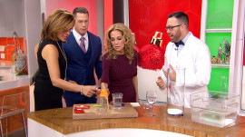 'Mr. Science' Jason Lindsey shows how to make hot ice and instant snow