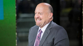 'It's a good time to look for a job': See Jim Cramer's economic predictions for 2018