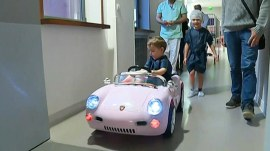 These kid patients get to drive electric cars to their surgeries
