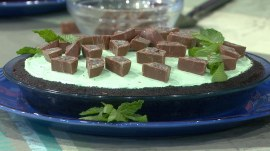 Here's how to make a delicious no-bake mint chocolate pie