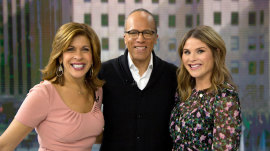 Lester Holt joins Hoda and Jenna, shares photo of his grandson