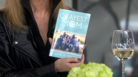 'Okayest Mom,' 'Gift from the Sea': KLG and Hoda's Favorite Things