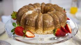 Make delicious wine-glazed cake in honor of KLG and Hoda's anniversary