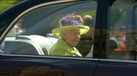 Queen Elizabeth, royal family enter chapel for royal wedding