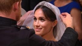 Royal Wedding: Prince Harry lifts Meghan Markle's veil