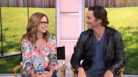 Jenna Fischer and Oliver Hudson talk about 'Splitting Up Together'