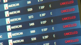 Tech issue leaves thousands of American Airlines travelers scrambling, stranded