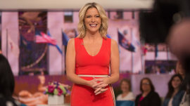 See how Megyn Kelly chats with her audience after the show