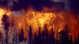 Oregon wildfire leaves 1 dead, spreads over 50,000 acres