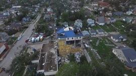 Tornadoes tear through Iowa town as wildfires threaten Oregon