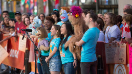 Watch 'Avenue Q' cast give a special TODAY performance!