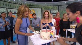 The entire 4th hour toasts to Hoda Kotb's birthday, shares a glittery rainbow cake!