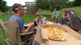 'Eat well, smile often': This farm serves pizzas and good vibes