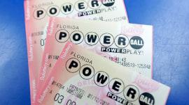Powerball jackpot rises to $620 million